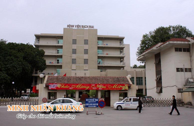 Hình ảnh bên ngoài của bệnh viện Bạch Mai